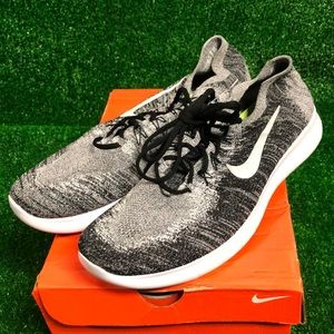 Nike knitracer size 14